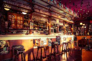 Cofnięcie zezwolenia na sprzedaż alkoholu z winy pracownika